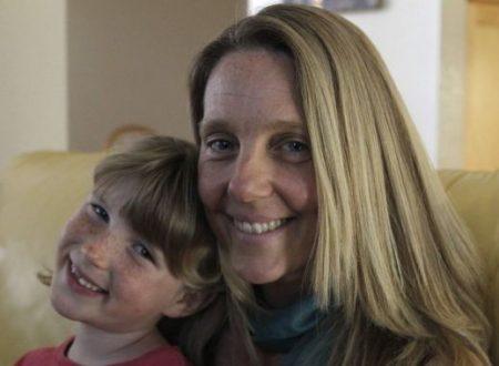 Mamma guarisce la figlia dall'autismo