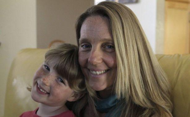 mamma guarisce figlia dall'autismo